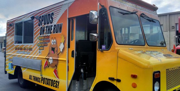 Orlando, FL: Franchises & Restaurant Chains Experiment with Mobile Cafes / Food Trucks