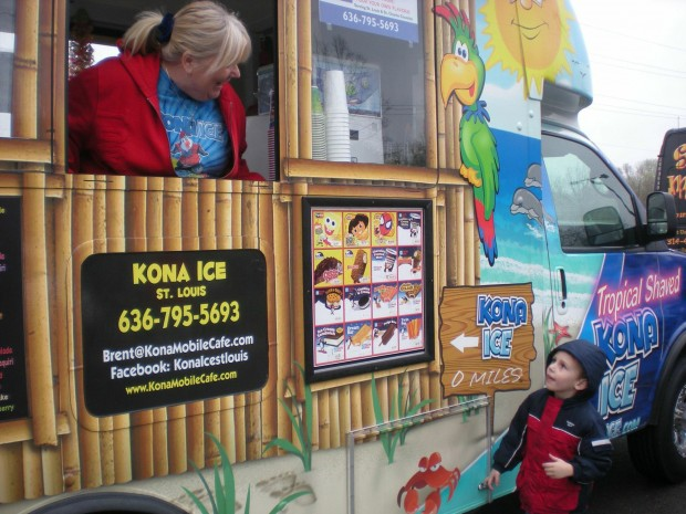 St. Charles, IL: Food Trucks Make 2nd Appearance on St. Charles Riverfront