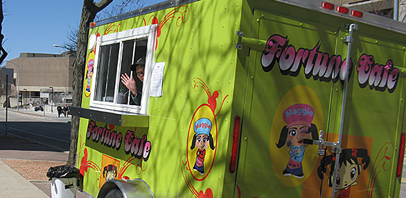Madison, WI: Opening Day! A Look at the 2013 Madison Food Cart Season