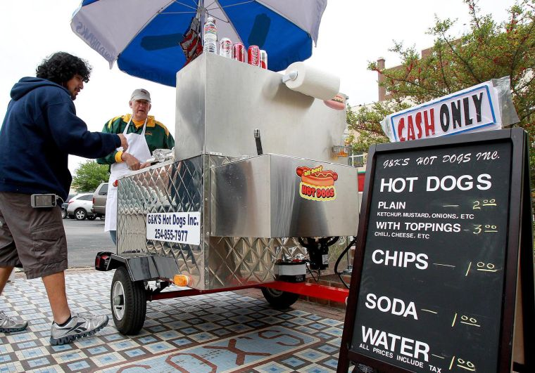 Waco, TX: Hot Dog Cart Brings Touch of New York to Waco