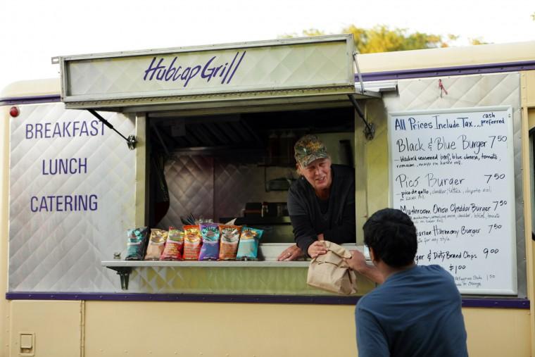 Norfolk, VA: Norfolk Allows Food Trucks in Metered Spaces