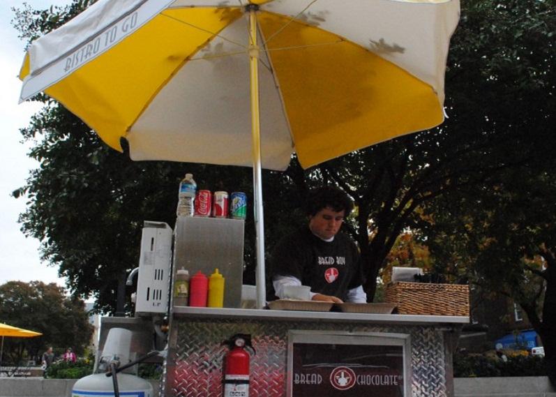 Alexandria, VA: Wheels Come Off Market Square Food Cart Program