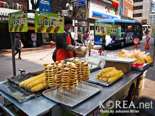 Seoul, KR: Korean Street Food – The Tornado Potato