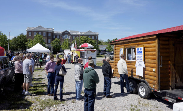 Lexington, KY: Lexington Grappling Over Details before Allowing Downtown Food Trucks