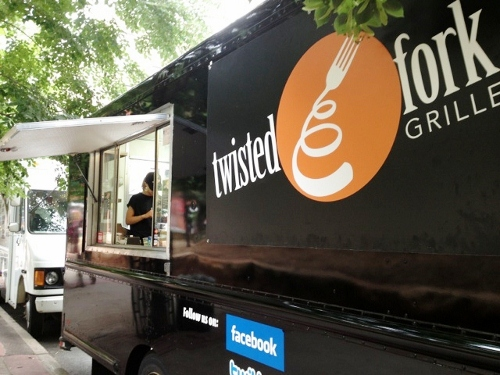 St. Paul, MN: Twisted Fork Grille Food Truck –  A First Look