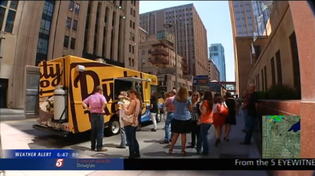 Minneapolis, MN: Food Trucks and Restaurants Work to Avoid 'Food Fight'
