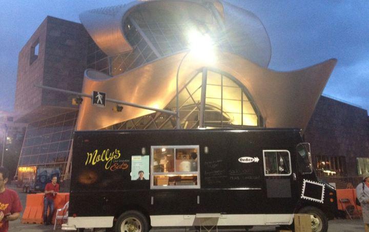Edmonton, CAN: City Clarifies Policies for Edmonton Food Trucks