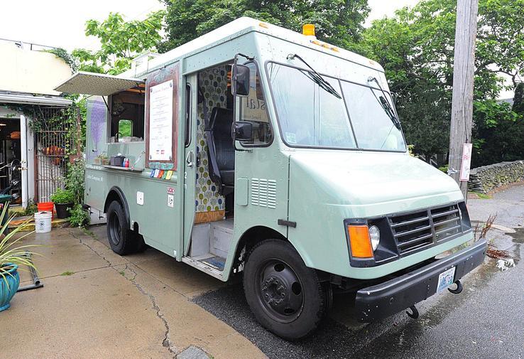 Little Compton, RI: Acacia Cafe is A Food Truck with A Hip, Fresh Menu