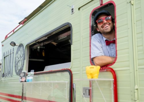"""Because it's a """"pilot project"""" only 27 food trucks are licensed for the whole city. Photograph by: Justin Tang , The Gazette"""