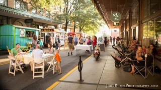 Knoxville, TN: Knoxville Food Trucks Take Over City Block