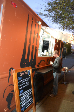 Charlottesville, VA: New Food Trucks Bring Southern Eats to the Streets
