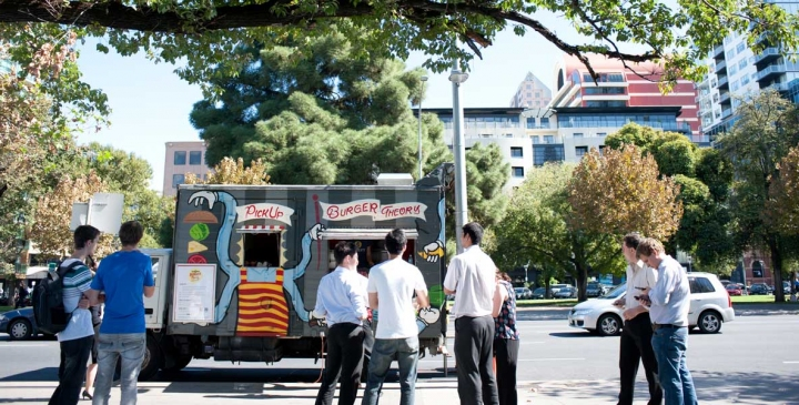 Adelaide, AUS: Restaurants Push Food Truck Crackdown