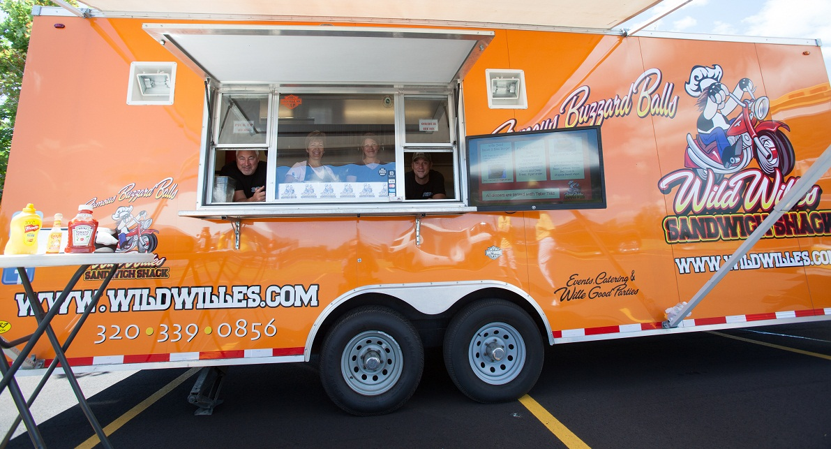 Saint Cloud, MN: How Wild Wille's Food Truck Connects with Customers Using Social Media