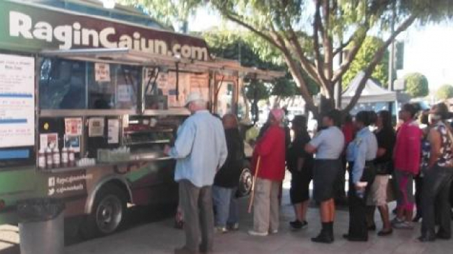 Los Angeles, CA: Food Truck Friday Fills Community