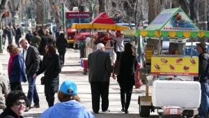 Winnipeg, CAN: Winnipeg food truck owners angry over vendor fee hike