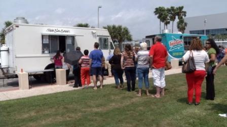 Corpus Christi, TX :  New Food Truck Fridays at North Bayfront Park