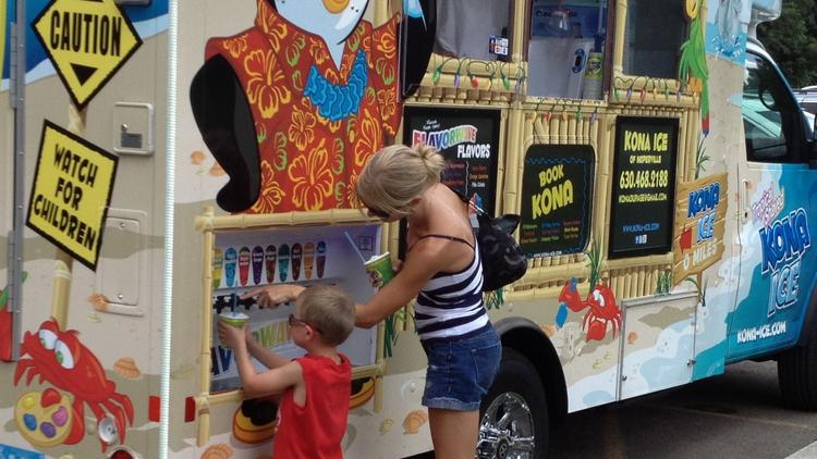Npaerville, IL: Food Truck Vendors to Serve Naperville's Sports Complexes