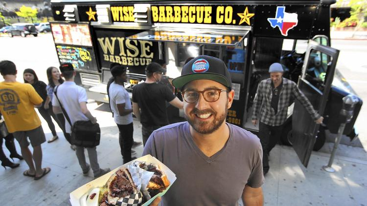 National News: As food truck craze fades, Roaming Hunger helps boost vendors' profits