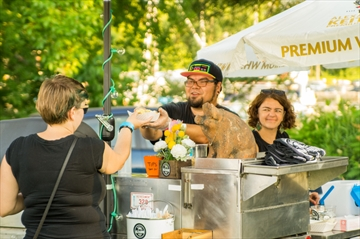 Hamilton, CAN: Food trucks not too hungry for spots in city parks
