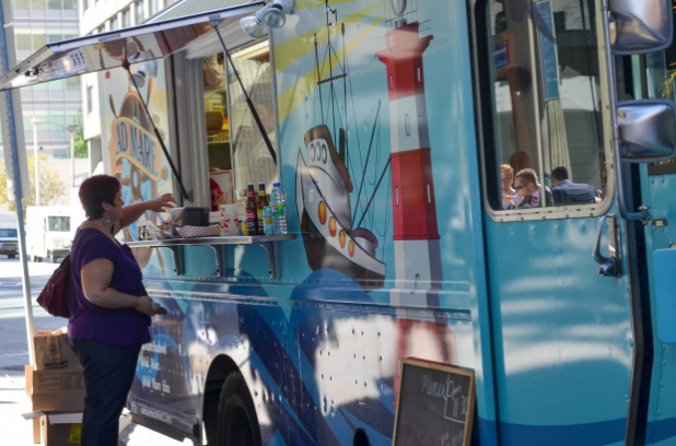 Ottawa, CAN: New food trucks in Ottawa to serve nachos, smoke house, gelato and more