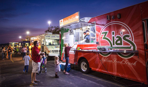 St. Charles, MO: Outdoor summer movie series and Food Truck Frolic at SCC