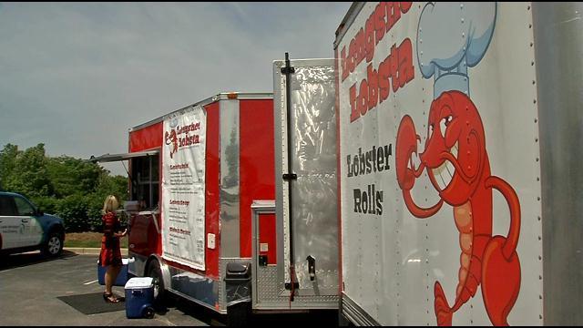 Louisville, KY: Food trucks introduce new flavors, excitement to Louisville cuisine scene