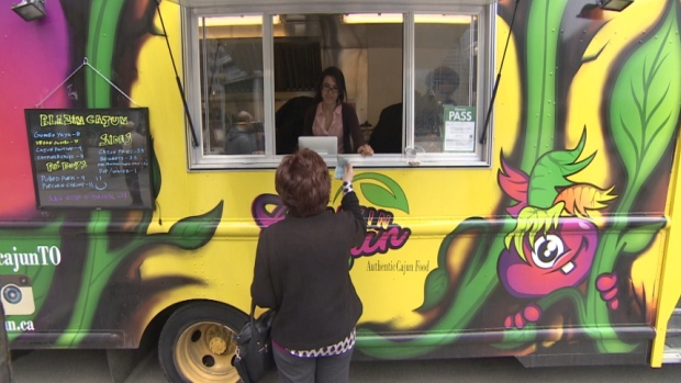 Toronto, CAN: Toronto city council eases restrictions on food trucks