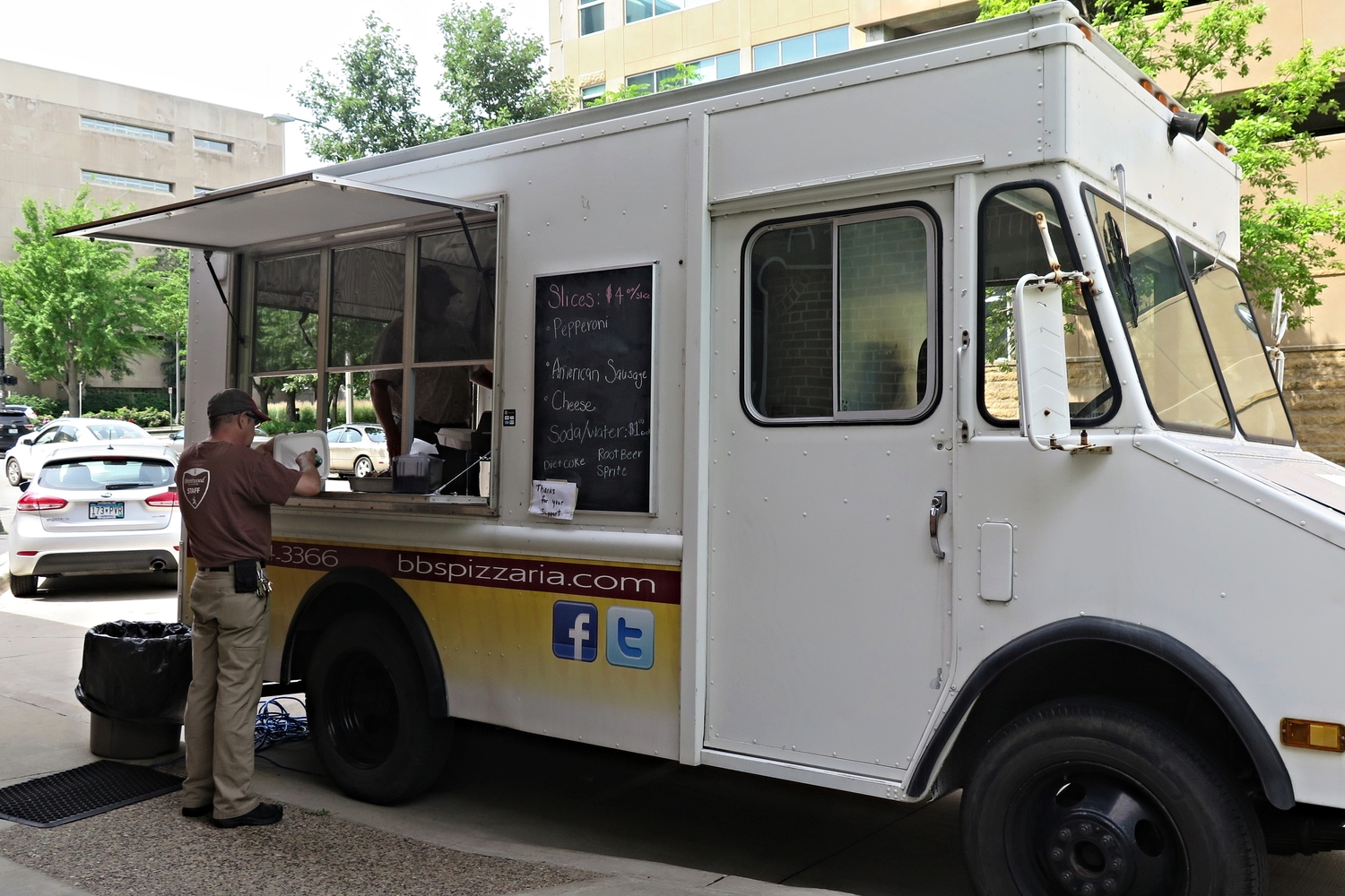 Rochester, MN: City works out deal with BB's Pizza for food truck to return downtown