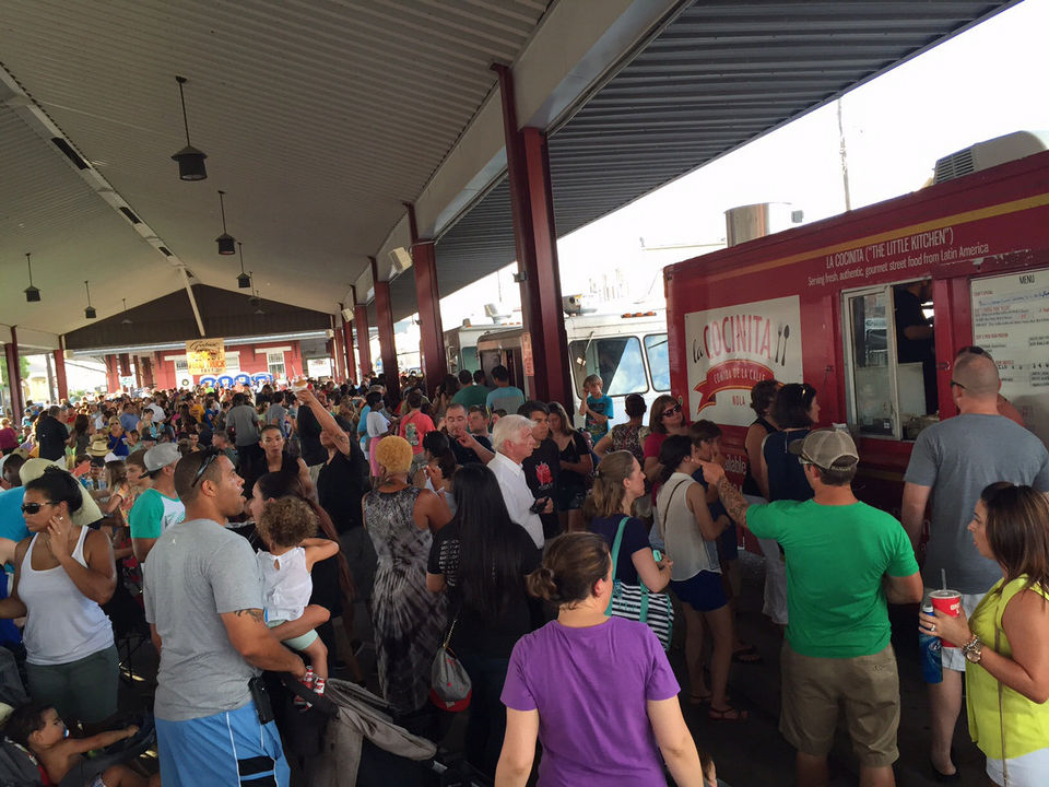 New Orleans, LA: Gretna Food Truck Fest draws more than 1,000 diners