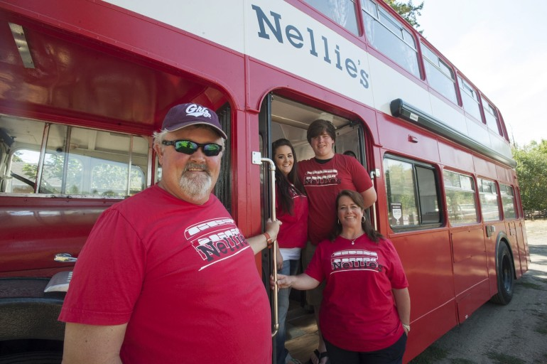 Vancouver, WA: Nellie's Food Cart feeds drive to heal