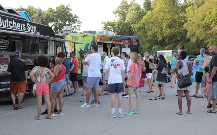 Arlington, TX: Food Truck Friday: Fall Series Returns Sept. 4, 2015