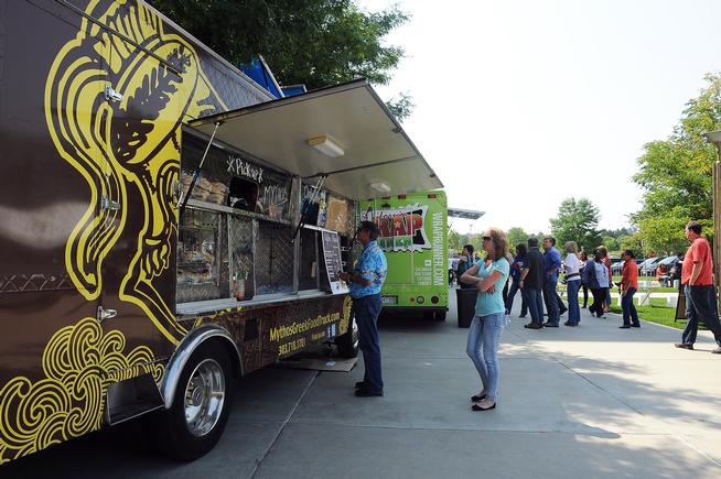 Aurora,  : Aurora sanctions food trucks, expands zoning to schools for events