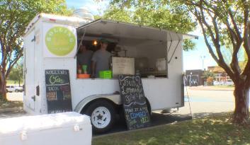 Dothan, AL: Rolling Oaks Food Truck Rolls Into Downtown Dothan (AM)