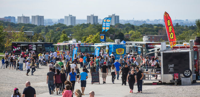 Ontario, CAN: Food truck festival attracts a hungry crowd