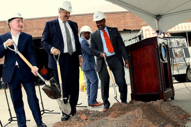 Newark, NJ: Newark officials break ground on facility aimed at attracting food trucks