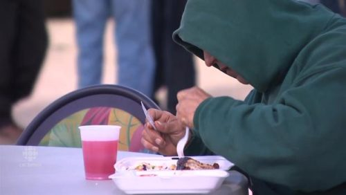 Winnipeg food trucks serve up free lunch for the homeless