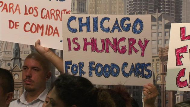 Chicago, IL: City Council Approves Food Cart Licenses