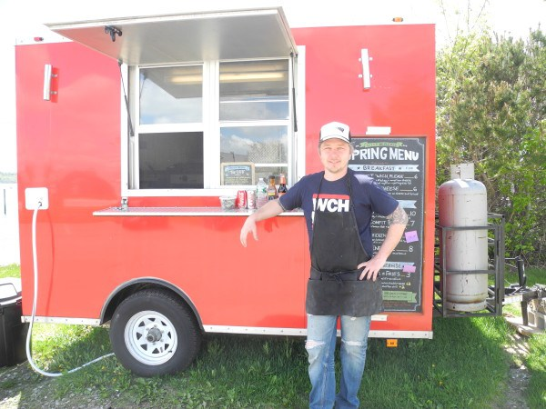 Rockland, MN: Rockland food truck 'Wich, Please heads inside for winter