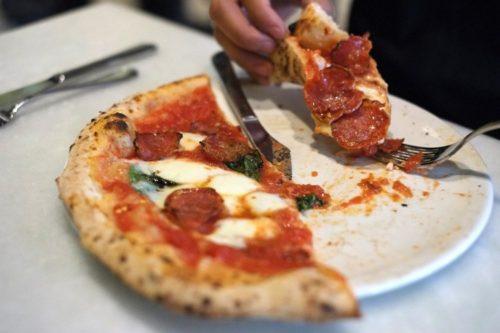Pizza at Il Pizzaiolo. Photo by Brian Cohen