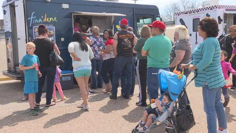 Temple, TX: Temple – Food truck frenzy attracts large crowds