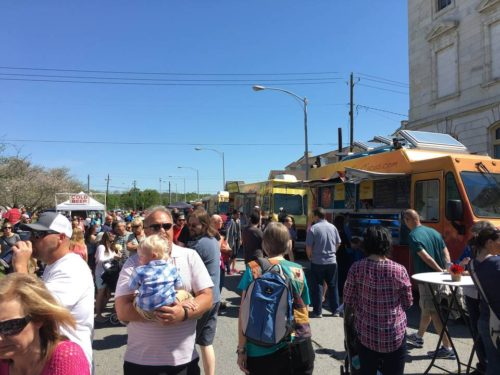 Macon, GA: Cherry Blossom newbies – Indulging in food truck fare