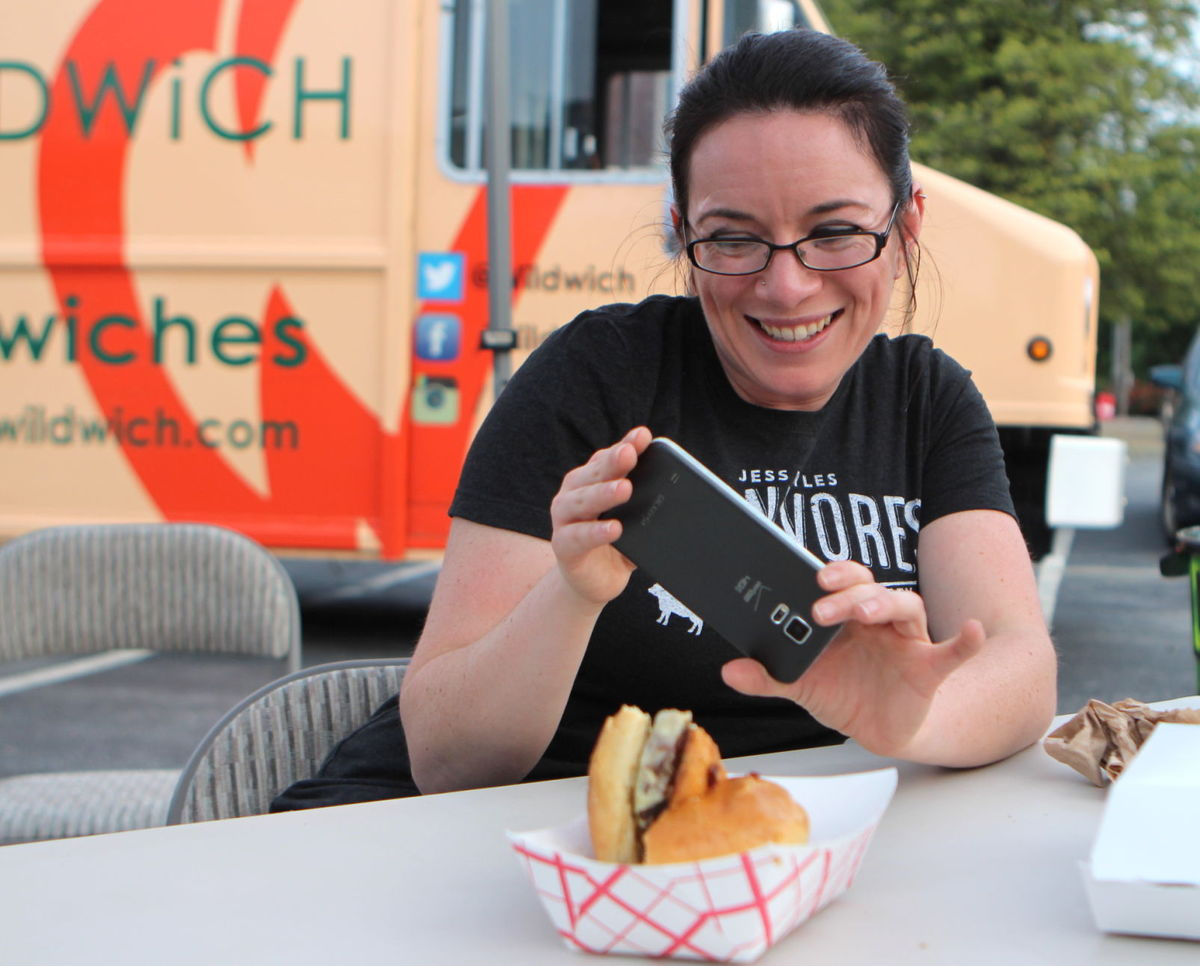 Newark, DE: Market East Plaza hosting monthly food truck festivals