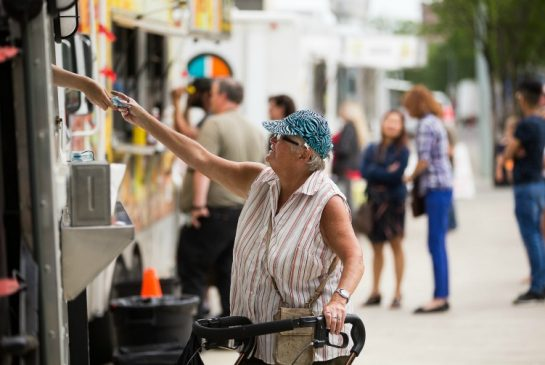 Edmonton, CAN: Edmonton Food trucks safe, but inspections hard to come by