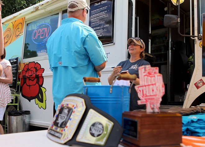Graham, TX: Competition draws dozens of food trucks, thousands of hungry attendees