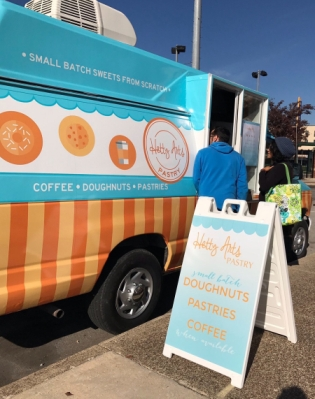 Ft. Wayne, IND: Restaurant Notes – New food truck brings doughnuts, pastries to the streets