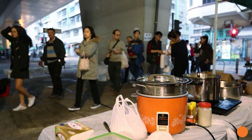 HongKong: Hong Kong food bazaar diners back call to allow hawkers to cook with gas -survey