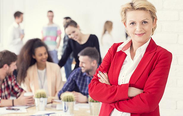 aprenda a diferença entre ser chefe e líder de uma equipe