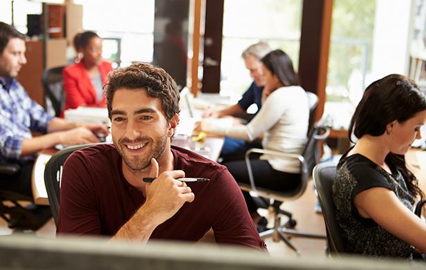Aprenda sobre freelancer vantagens e desvantagens de contratar um para sua empresa