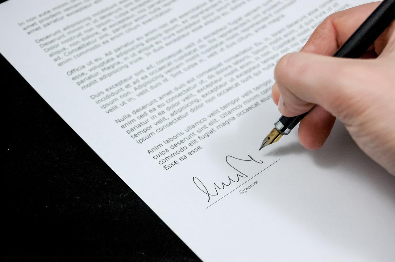 Clique e descubra quais são os documentos necessários para abrir uma empresa no Brasil
