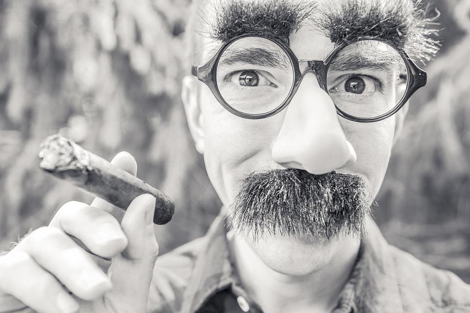 5 Sintomas da Síndrome do Impostor — Descubra se Você Sofre Com Isso!